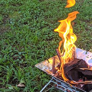 キャンプの火